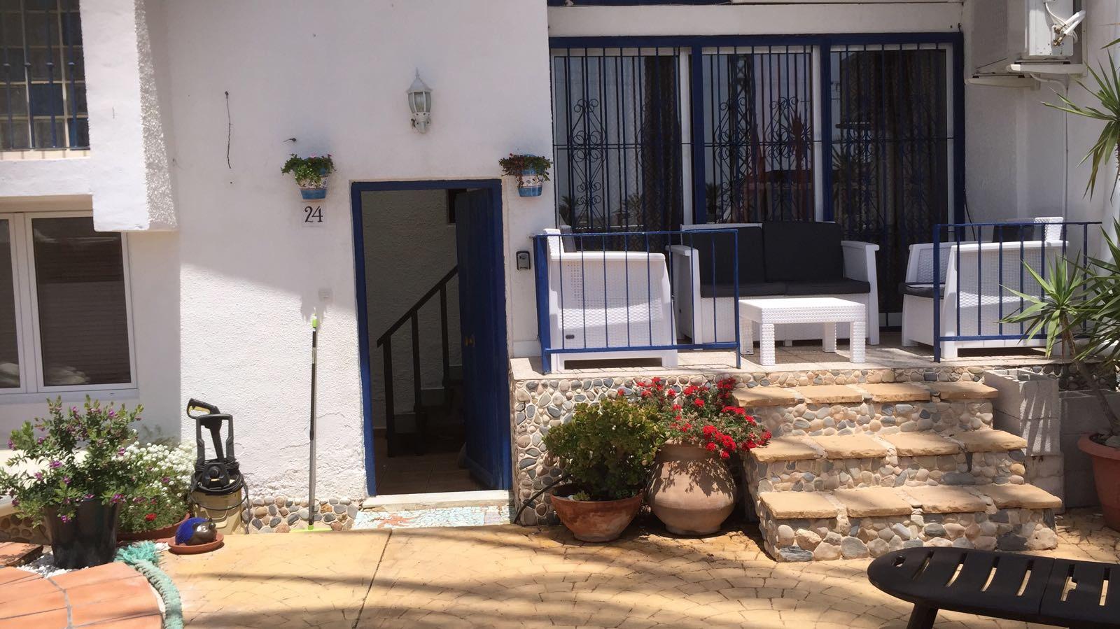 Los cubanitos entrada de la manga viviendas con jardin for Viviendas jardin